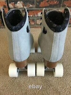 Moonlight Mirrorball Roller Skates Grey Size 7 (Womens 8) NEW with Skate Bag