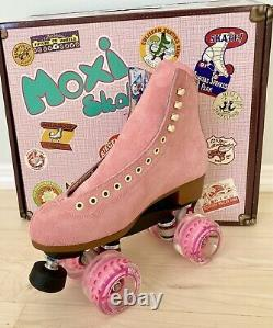 New Suede Moxi Lolly Strawberry Pink Roller Skates Size 6 (fits 7-7.5)
